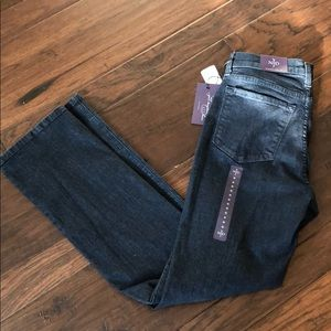 NYDJ Straight Leg Jeans NWT original slimming jean